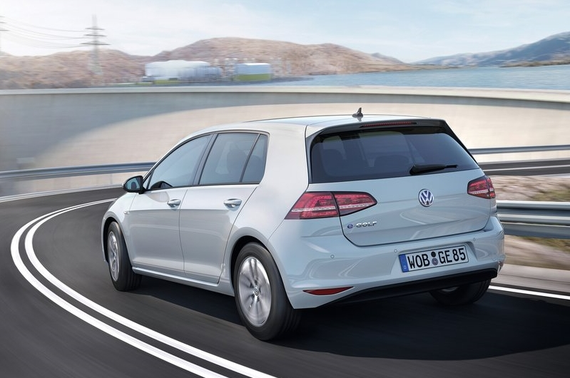 2014 Volkswagen e-Golf rear view